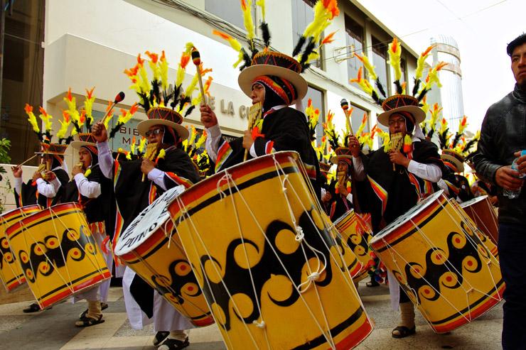 チチカカ湖最大のお祭り『カンデラリア祭 (Fiesta de la Candelaria) 』