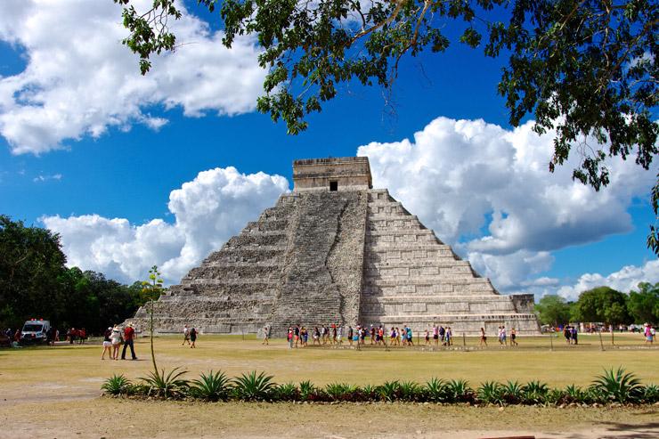 古代都市チチェン・イッツァのピラミッド