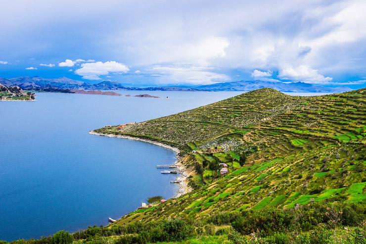 チチカカ湖に浮かぶ太陽の島『Isla del Sol』 | コパカバーナ