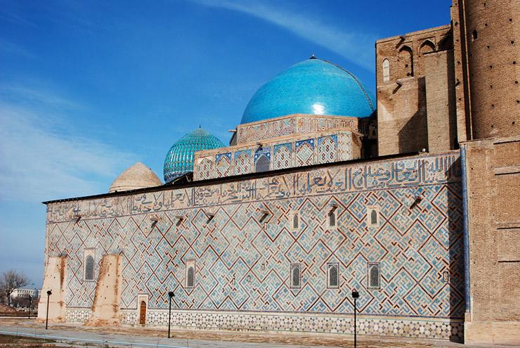 ホンジャ・アフメッド・ヤサウイ廟