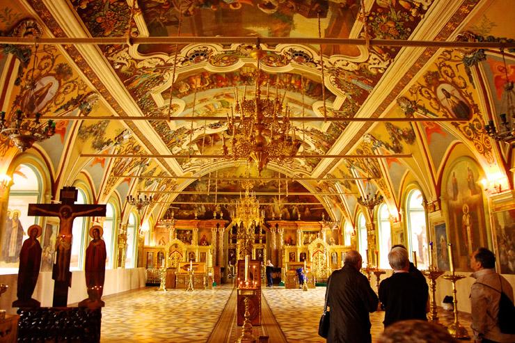 僧院食堂付属のセルギエフ聖堂
