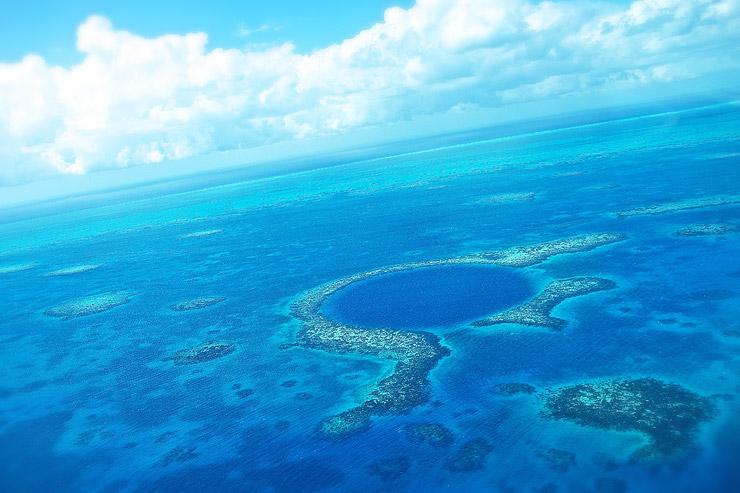 ベリーズ珊瑚礁保護区とグレート・ブルー・ホール | ベリーズの世界遺産