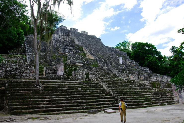 カンペチェ州カラクムルの古代マヤ都市と熱帯保護林