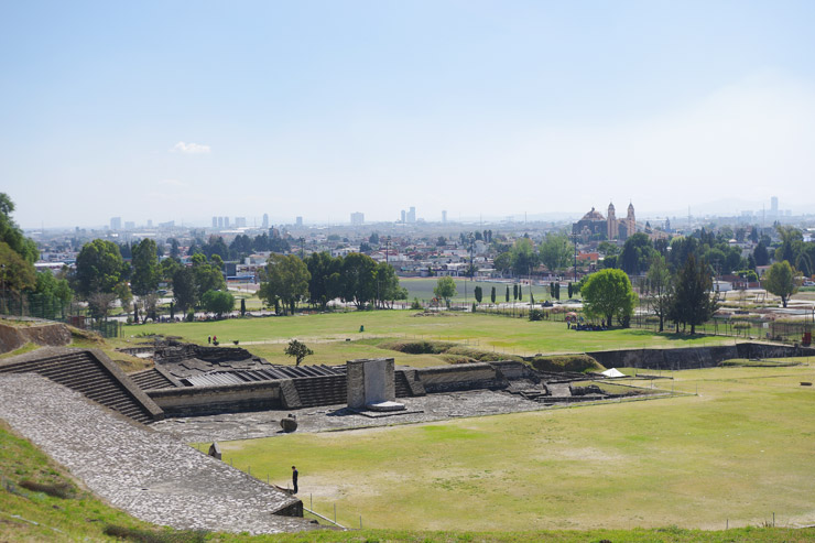 チョルーラの巨大ピラミッド
