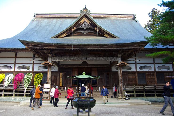 中尊寺の本堂