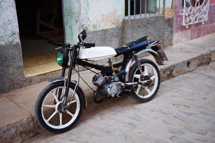 キューバのバイク