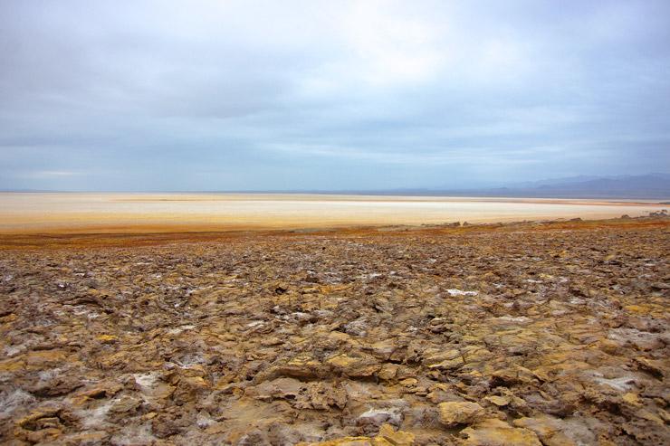 ダロル火山からアサレ塩湖へ