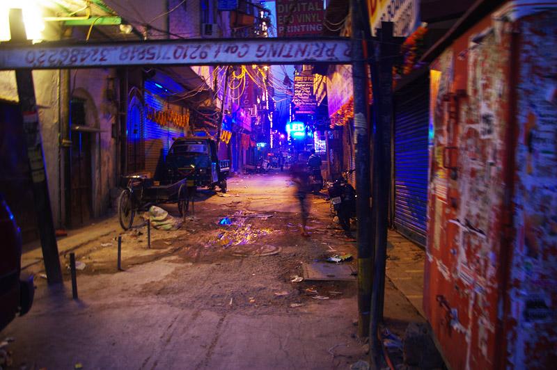 デリーの夜の街
