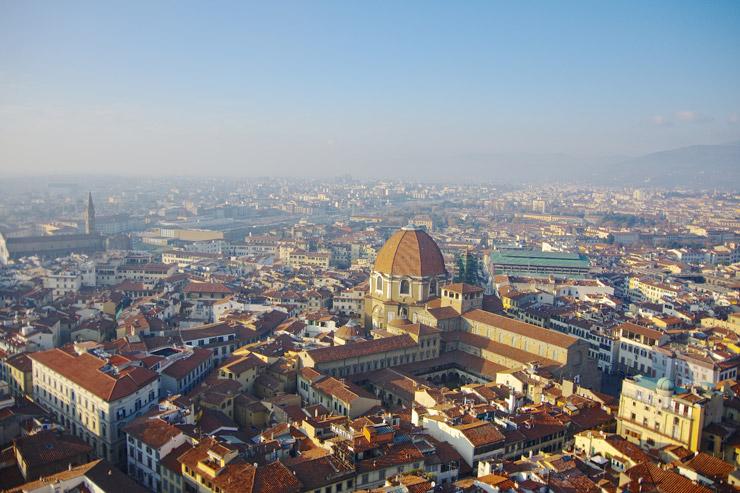ジョットの鐘楼から見下ろすフィレンツェの風景