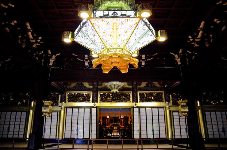本願寺の御影堂の中