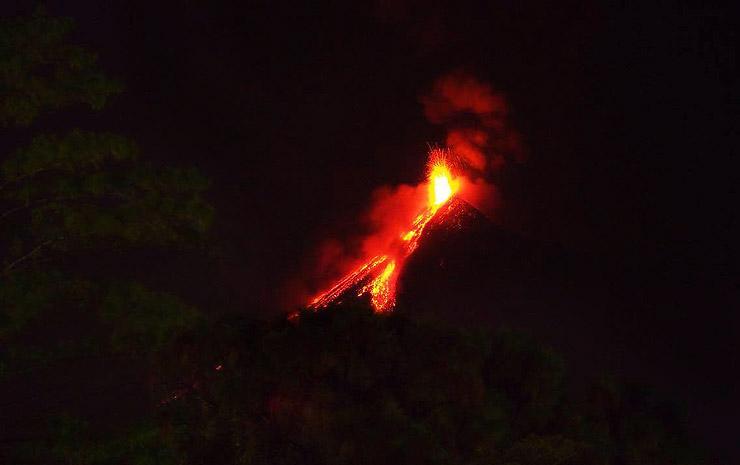 火山が噴火した