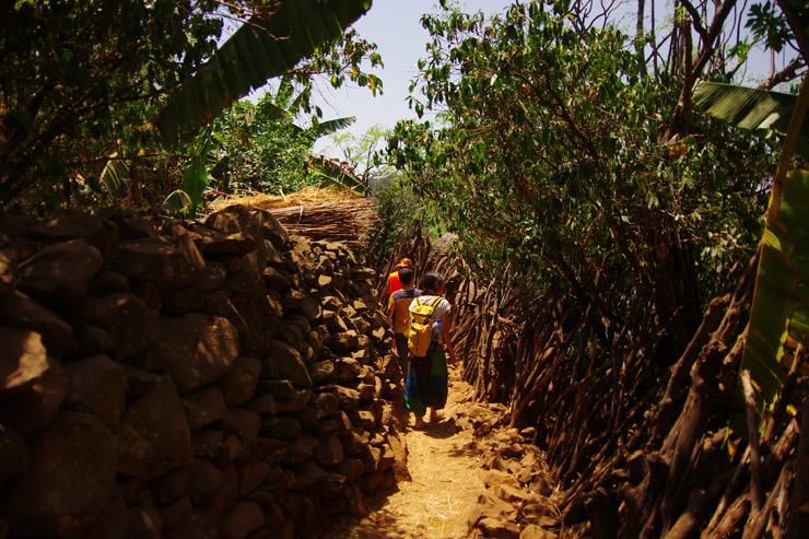 要塞化されているコンソ村