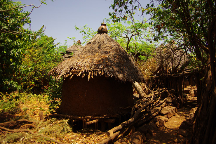 コンソの人々が住んでいる家