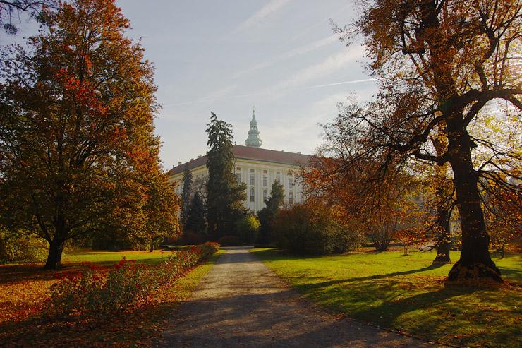 クロミェルジーシュの庭園群と城 | チェコの世界遺産