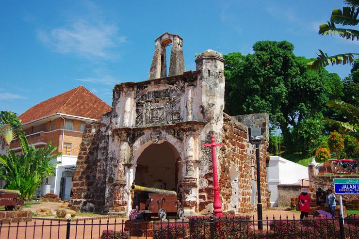 サンチャゴ要塞(Porta de Santiago)