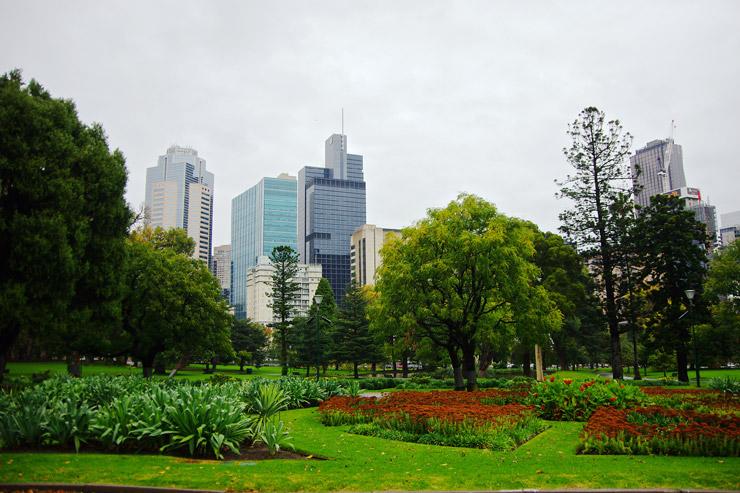 王立展示館とカールトン庭園