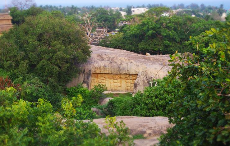 未完成の石窟