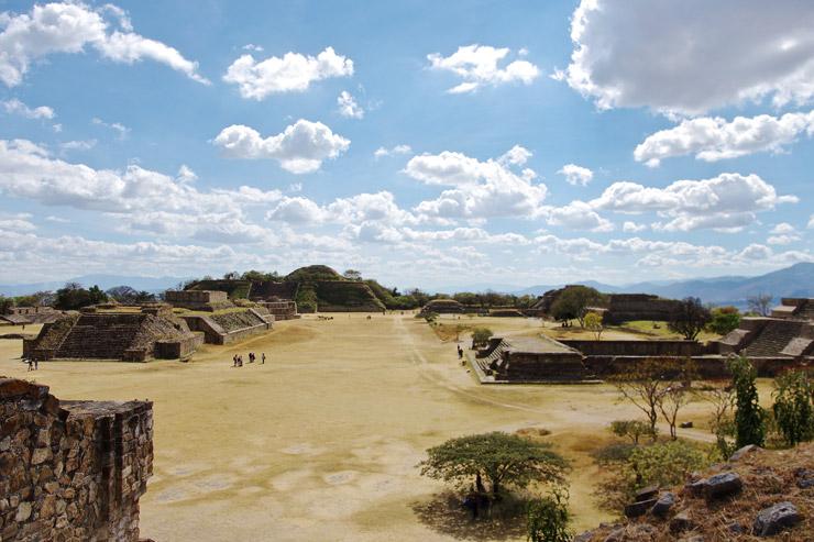 モンテ・アルバンの古代遺跡