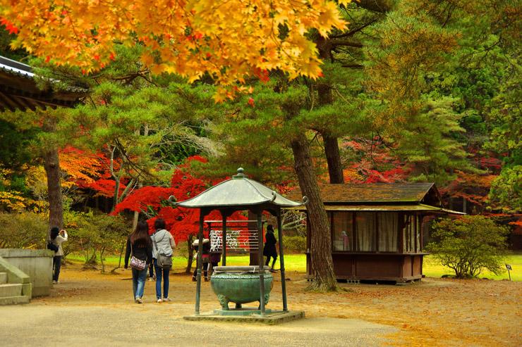 紅葉が似合う開山堂