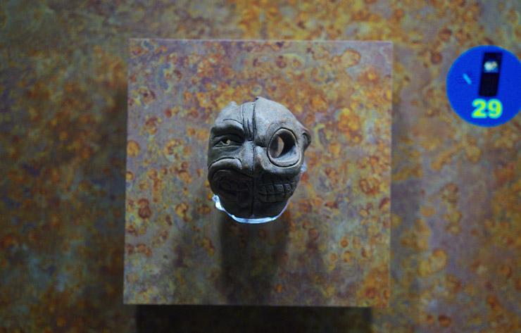 生と死を表すマスク