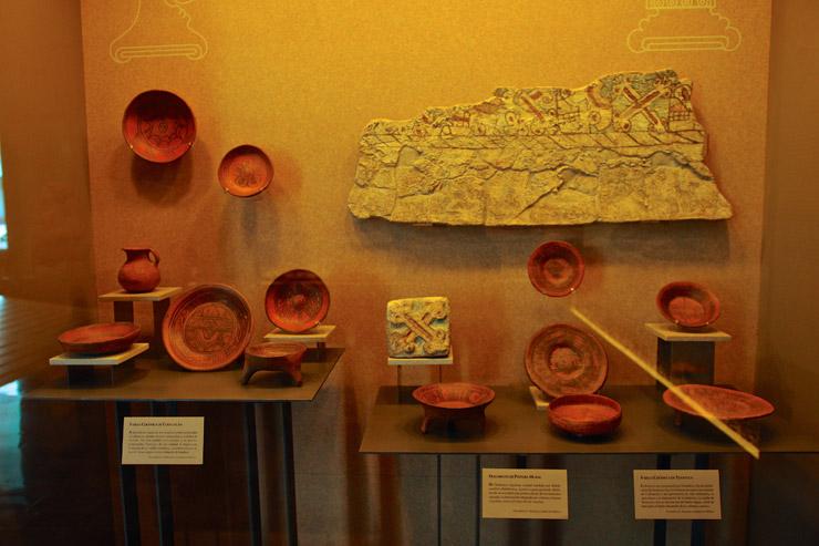 アステカ時代の食器など