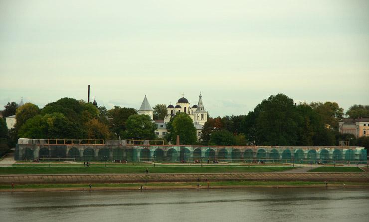 ヤロスラフ宮廷跡と市場