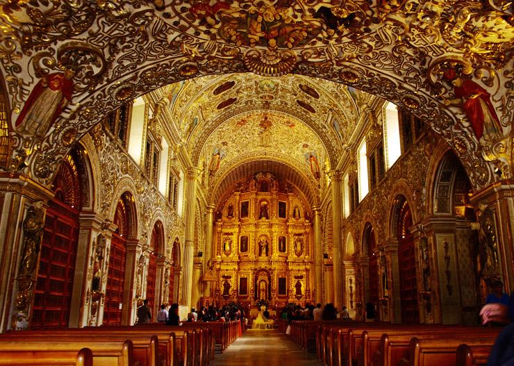 セント・ドミンゴ教会(Templo de Santo Domingo)