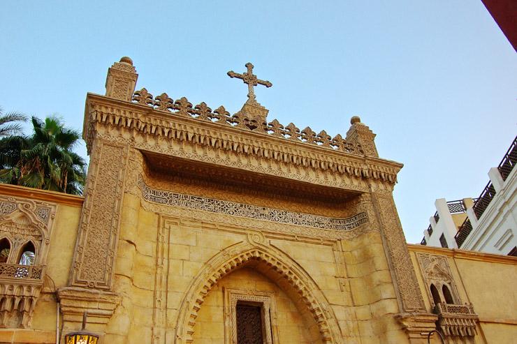 ムアッラカ教会の入り口