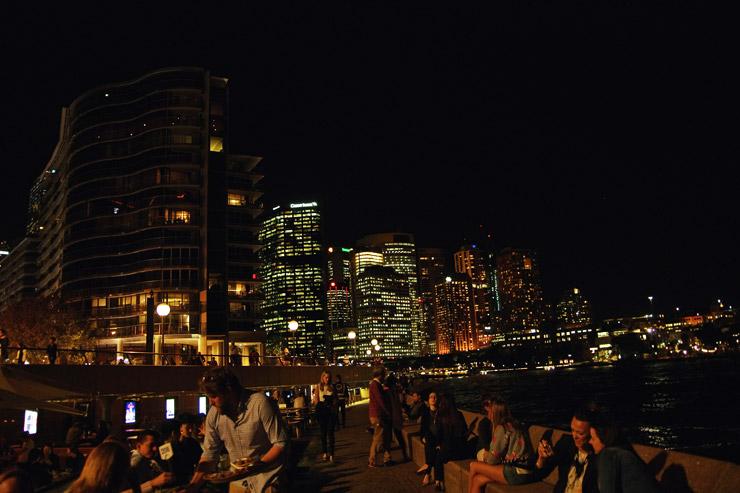 オペラバーの夜景