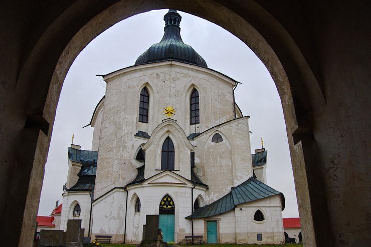 ゼレナー・ホラのネポムークの聖ヨハネ巡礼教会