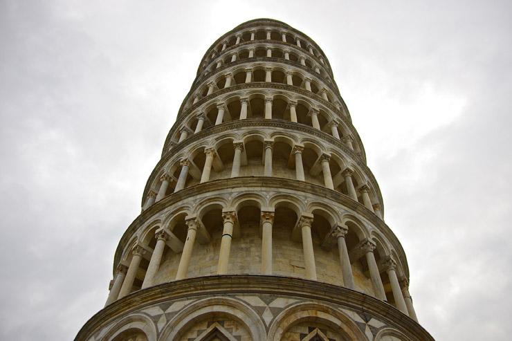 ピサの斜塔で有名な世界遺産『ピサのドゥオモ広場』