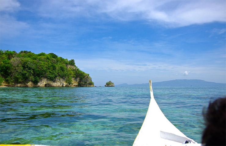 プエルトガレラの海をボートトリップ