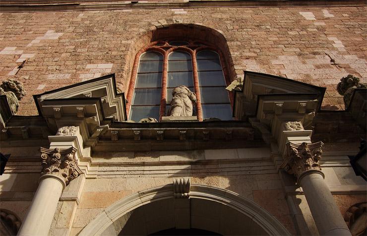 聖ペーテル教会の入り口