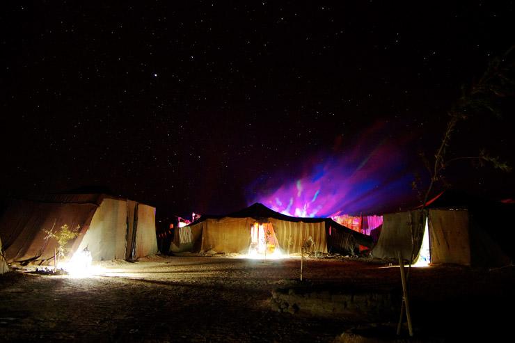 サハラ砂漠の年越しパーティー