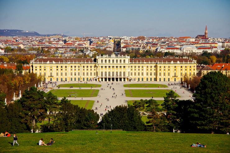 シェーンブルン宮殿と庭園群 | オーストリアの世界遺産