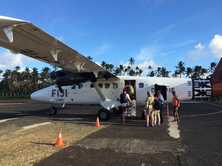 セスナ機に乗ってタベウニ島からナンディまでひとっ飛び