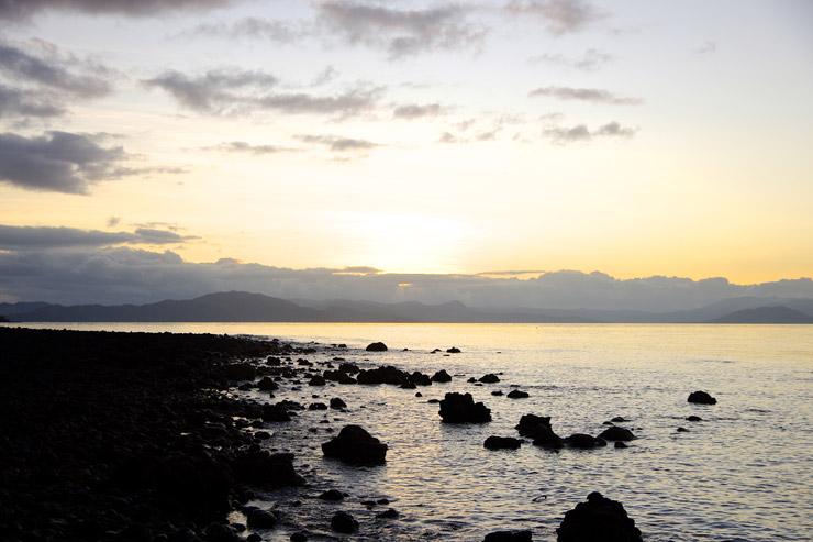 タベウニ島の夕日