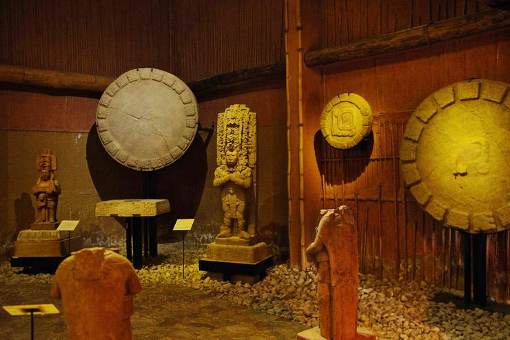 トニナ遺跡