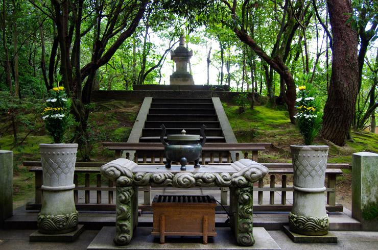 唐招提寺の開山御廟