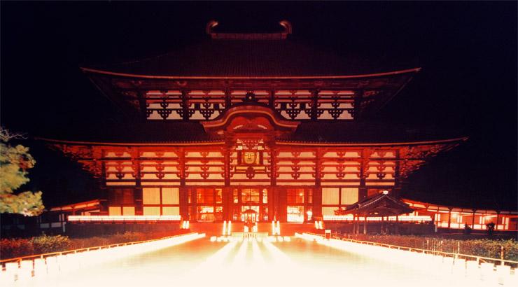 夜の金堂・大仏殿