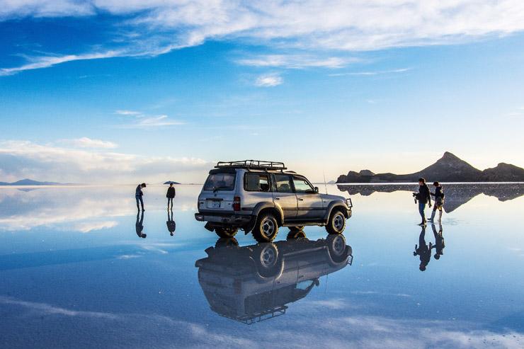 世界一の絶景と噂される『ウユニ塩湖』の幻想的な世界
