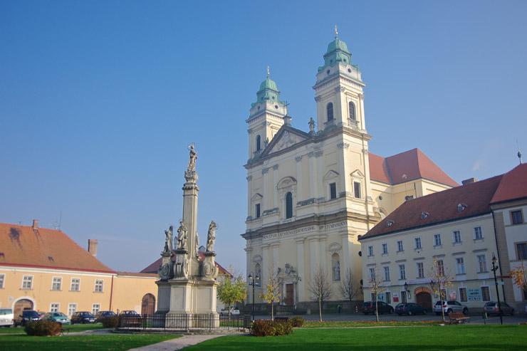 聖マリア教区教会
