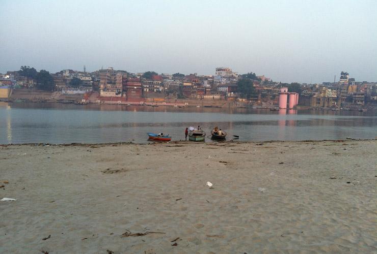 ガンジス川対岸の不浄の地
