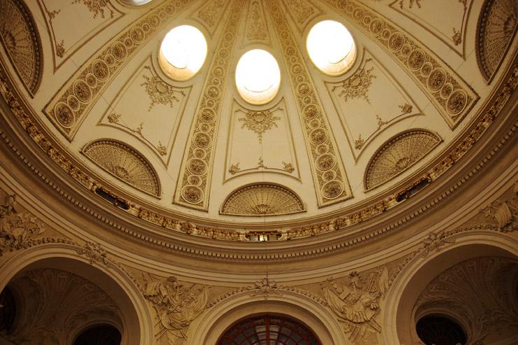 王宮の天井