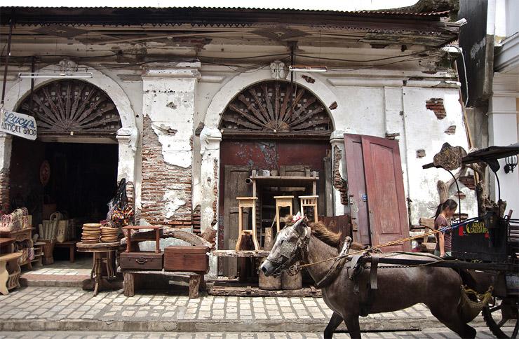 ビガン歴史都市 | 16世紀のスペイン統治時代の街並みが今も残る世界遺産