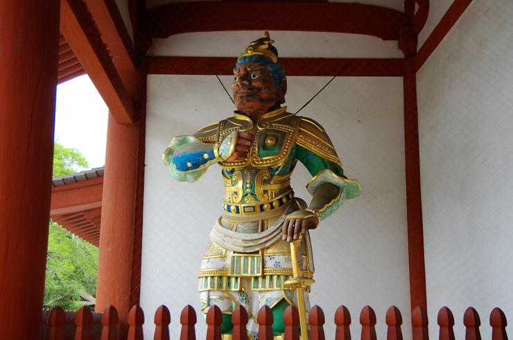 薬師寺の武装した二天王像
