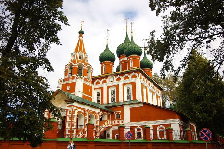 ヤロスラヴル市街の歴史地区の街並